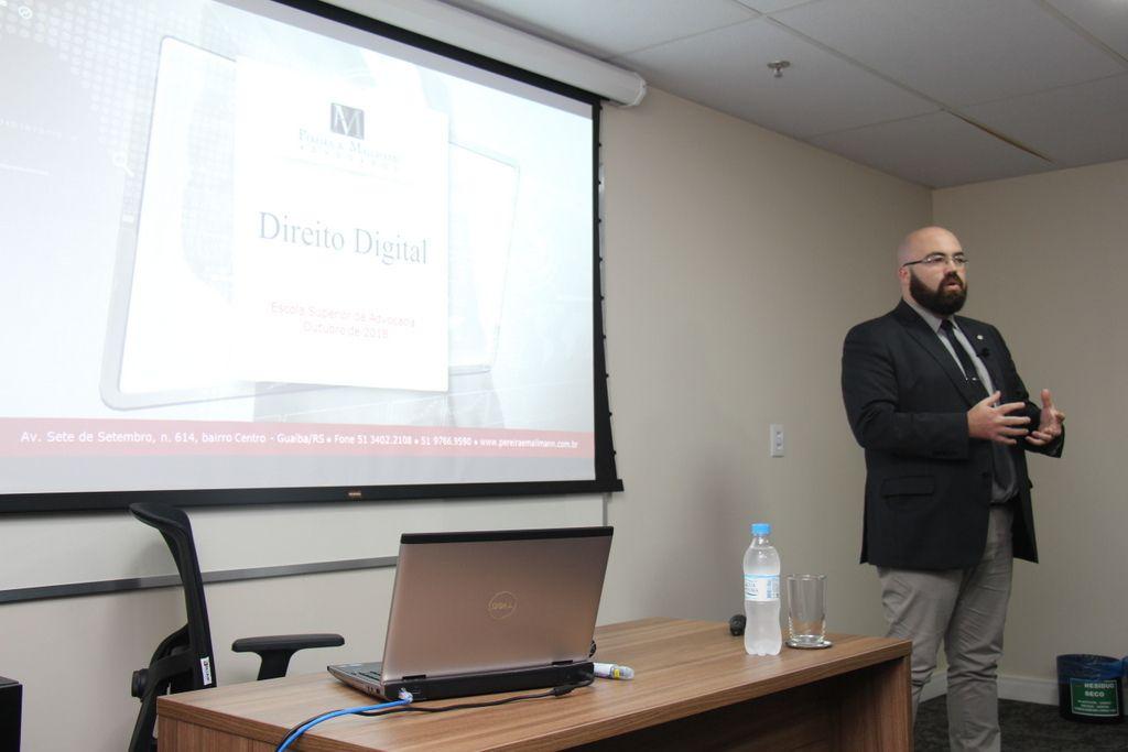 Sócio do Pereira e Mallmann Advogados ministra curso de Direito Digital